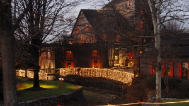 Holiday Tours Along the Kentucky Bourbon Trail